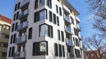 Многофамилна жилищна сграда в гр. Плевен е най-красивата пролетна фасада!
